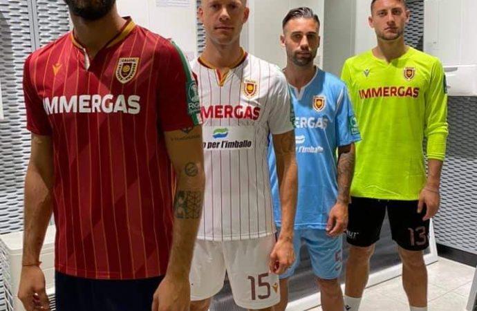 La nuova maglia della Reggiana si fa in quattro